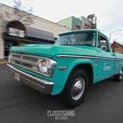 1968 DODGE D200 pickup truck 318 4 speed Dana 60 2wd 68 Sweptline