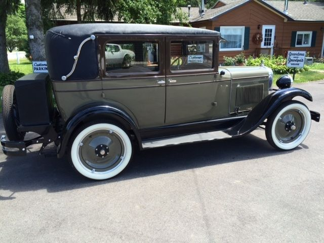 1928 chevy 4 door sedan imperial landau