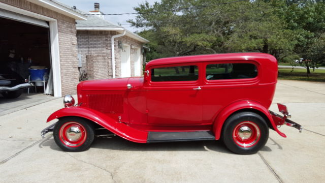 1932 ford two door sedan henry ford steel tudor scta blown for 1932 ford 2 door coupe