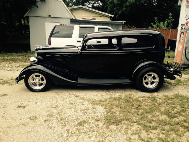1934 ford chopped 2 door sedan gibbons body 2600 miles for 1934 ford two door sedan