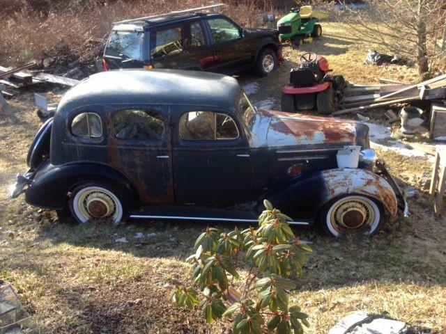 1935 master deluxe suicide doors 4 door sedan chevy for 1935 chevrolet 4 door sedan
