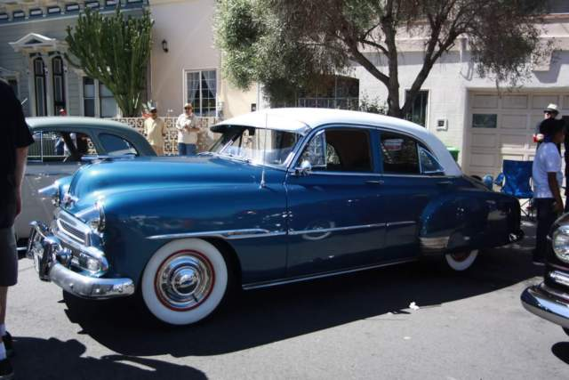 1951 chevrolet styleline deluxe 4 door sedan
