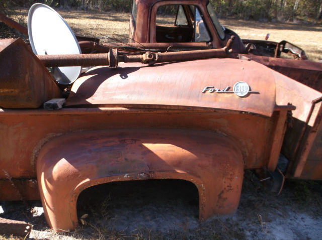 1955 ford f100   complete 2 beds minus frame lots of other