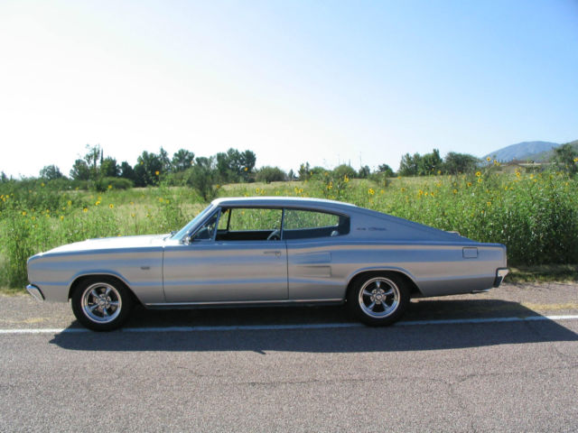 1966 Dodge Charger 383 4