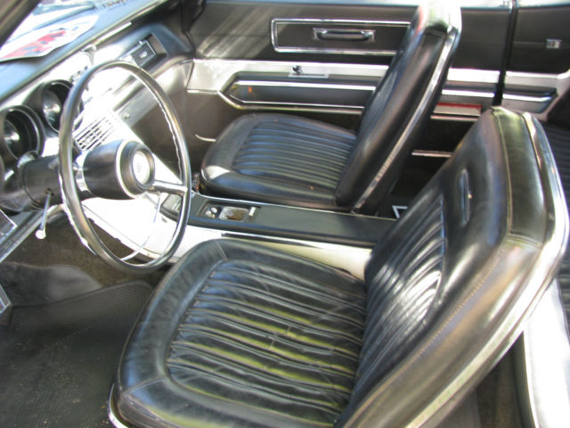 1967 FORD THUNDERBIRD WITH BLACK VINYL TOP 2 DOOR HARDTOP