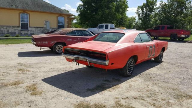 1969 dodge charger 440 general lee and 1968 charger rt. Black Bedroom Furniture Sets. Home Design Ideas