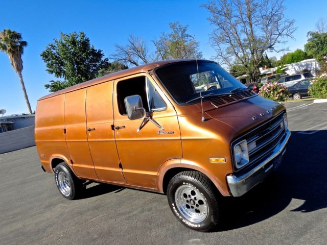 1976 dodge tradesman 200 van custom shaggin vannin 1975. Black Bedroom Furniture Sets. Home Design Ideas