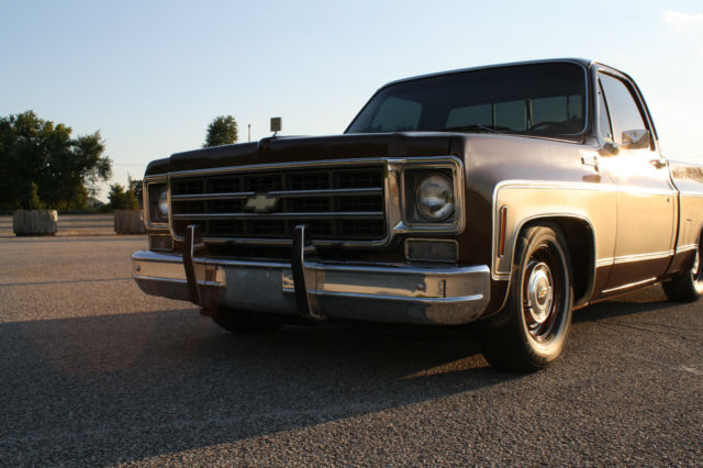 1977 chevrolet square body c10 silverado pickup truck fresh build lowered stance. Black Bedroom Furniture Sets. Home Design Ideas