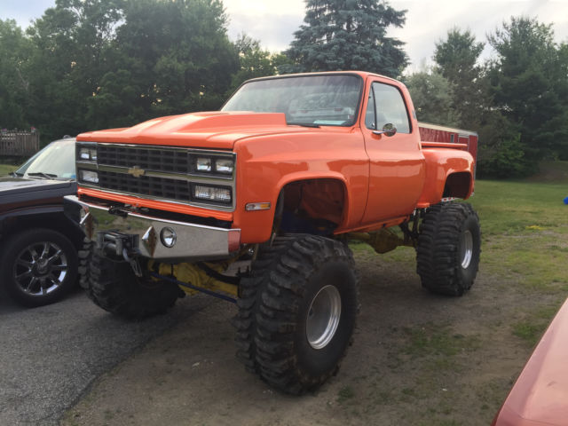 1977 Chevy Stepside Monster truck