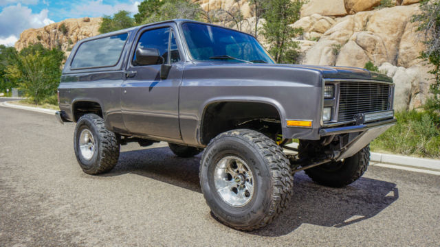 1982 chevy k5 blazer 454 engine lifted led hid lighting 1982 chevy k5 blazer 454 engine lifted led hid lighting very clean mozeypictures Choice Image