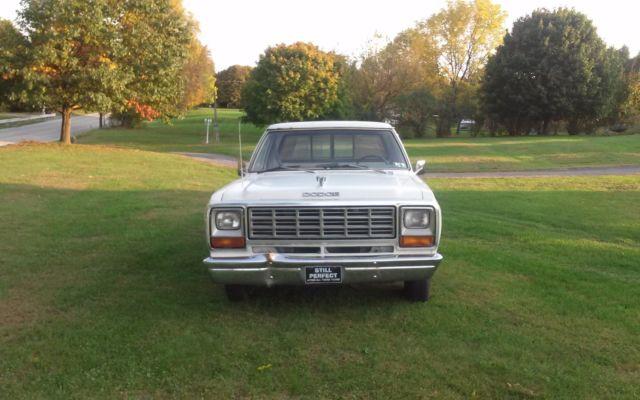 1982 Dodge D150
