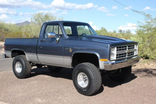 1989 Toyota 4runner Fuel Pump Wiring Diagram further Free Ford Wiring Diagrams furthermore pic2fly   2009chevysilveradofusebox likewise 2001 Chevy Silverado Frame Diagram additionally 02 Cavalier Wiring Diagram. on 2000 tahoe ls radio wiring diagram