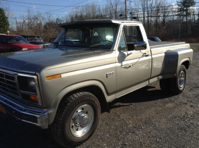 1985 Ford F-250 Dually