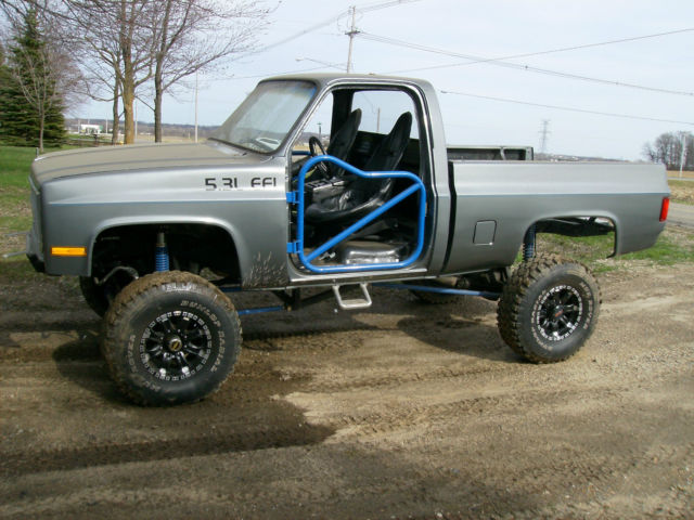 1985 lifted 3/4 ton chevy truck
