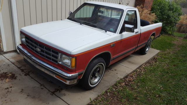 1989 Chevy S10 Tahoe Long Bed Truck  No Reserve Auction