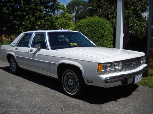 1991 Ford Crown Victoria LS