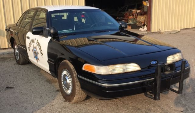 1992 FORD CROWN VICTORIA CHP POLICE CAR