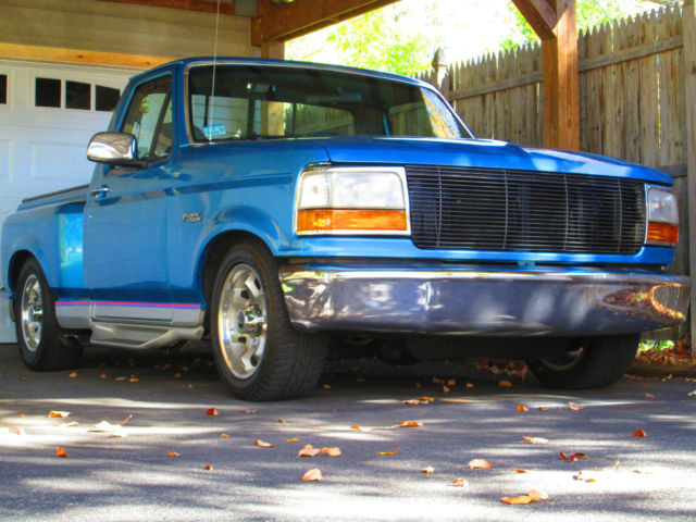 1992 Ford F-150 XLT Flare-side Standard Cab Pickup 2-Door 5.0L