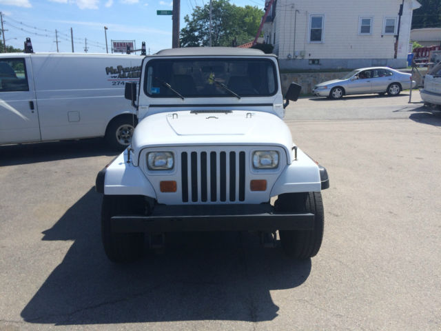 94 white jeep wrangler super clean southern jeep no rust new top 94 white jeep wrangler super clean southern jeep no rust new top low miles sciox Image collections