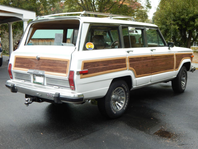 classic jeep grand wagoneer for sale excellent condition clean title white. Black Bedroom Furniture Sets. Home Design Ideas