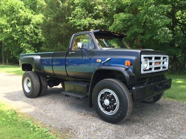 Dodge  Dump Truck Bed Size